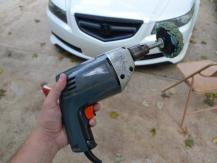 Foret de polissage de voiture: est-il approprié ou mieux est-ce qu'une meuleuse?