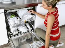 Comment effectuer le premier lancement du lave-vaisselle