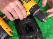 3 règles de base sur la façon de charger la batterie d'un tournevis