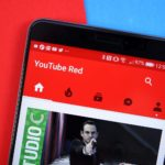 Lire des vidéos de fond YouTube gratuitement? C'est facile!