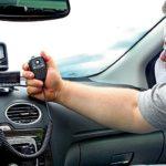 Communication radio en voiture: chouchouter ou nécessité