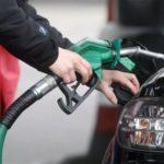 Danger à la station-service: pourquoi vous ne pouvez pas utiliser le téléphone pour faire le plein d'essence